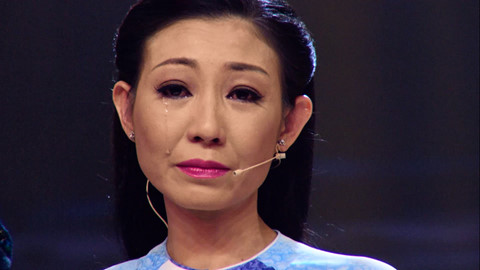 Bạn gái cũ Hoài Linh bật khóc khi chia sẻ ước mơ nối nghiệp gia đình