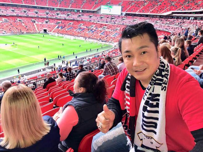 Diễn viên Lý Hùng kể trải nghiệm xem bóng đá ngoại hạng Anh