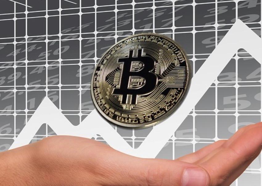 Bitcoin tăng giá điên rồ nhờ tin đồn được Amazon chấp nhận