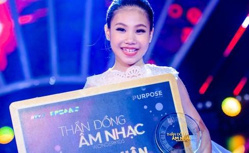 Cô bé 9 tuổi nhận giải thưởng 1,5 tỷ đồng của Thần đồng âm nhạc