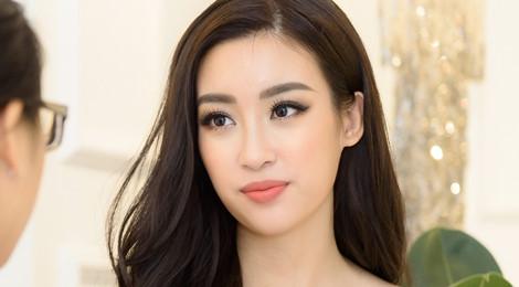 """Hoa hậu Đỗ Mỹ Linh: """"Khó khăn của dân vùng lũ vượt xa tưởng tượng"""""""