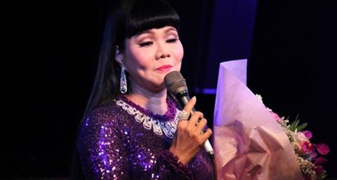 Ngọc Huyền khóc trong đêm nhạc đầu tiên ở TP.HCM sau 15 năm