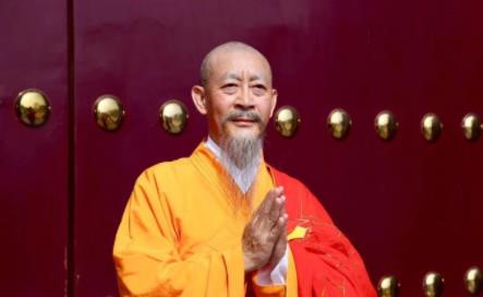 """""""Tôn Ngộ Không"""" Lục Tiểu Linh Đồng thăng cấp thành Đường Tăng"""
