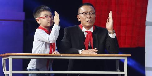 Cậu bé 6 tuổi vượt mặt MC Lại Văn Sâm, nhận điểm 10 tuyệt đối