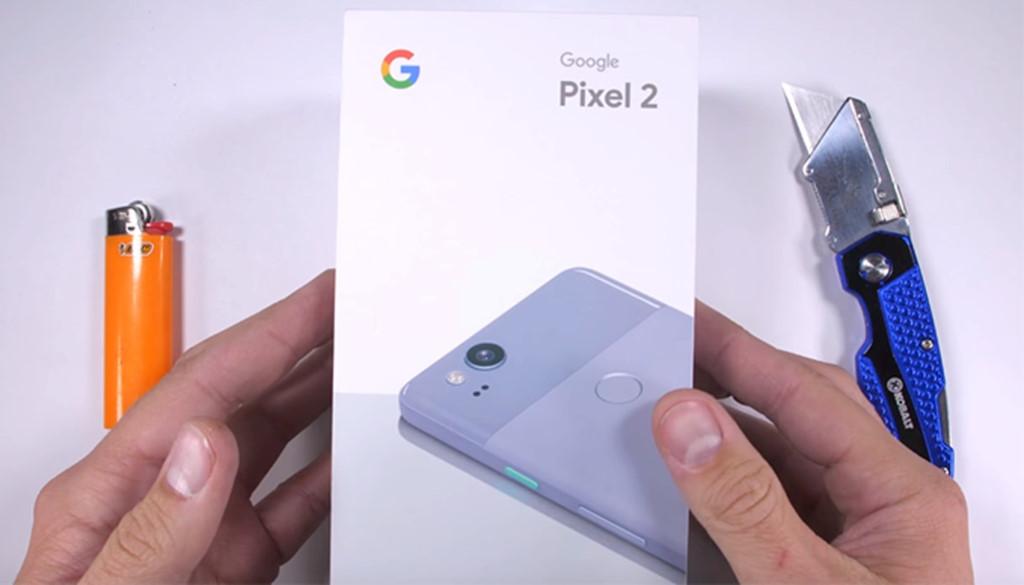 Google Pixel 2 dễ dàng bị bẻ cong trong thử nghiệm