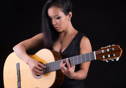 """Bán cây đàn yêu quý để đánh thức """"chàng guitar cổ điển Hà thành"""""""