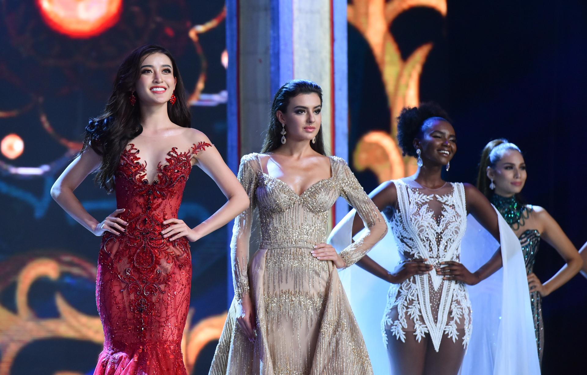 Top 10 Hoa hậu Hòa bình Quốc tế 2017 lộng lẫy trình diễn dạ hội