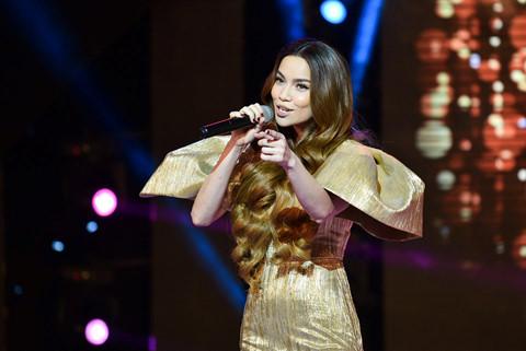 Hồ Ngọc Hà biểu diễn ca khúc mới trong chung kết Hoa hậu Đại dương