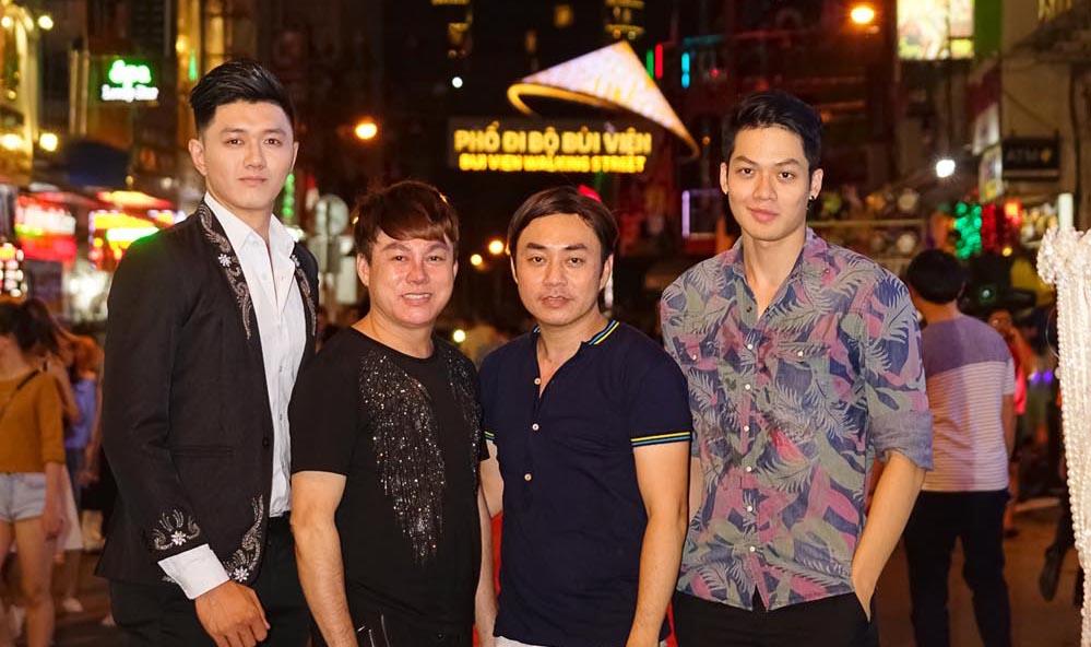 Mãn nhãn với màn trình diễn thời trang trên phố đi bộ của NTK Tommy Nguyễn