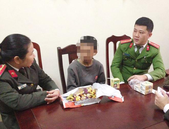 Bé trai 12 tuổi đạp xe từ Thanh Hóa vào Nghệ An mới biết lạc đường