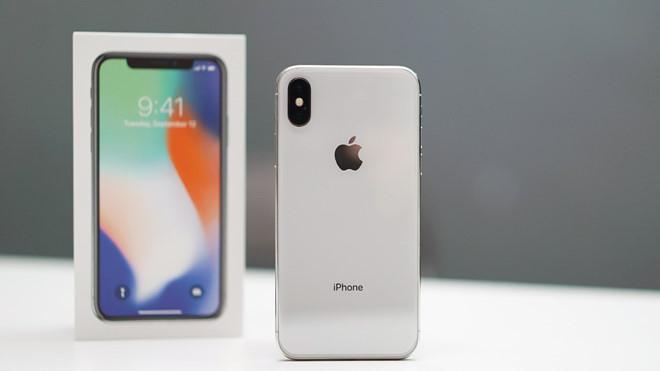 Về Việt Nam, iPhone X sẽ có giá không dưới 40 triệu