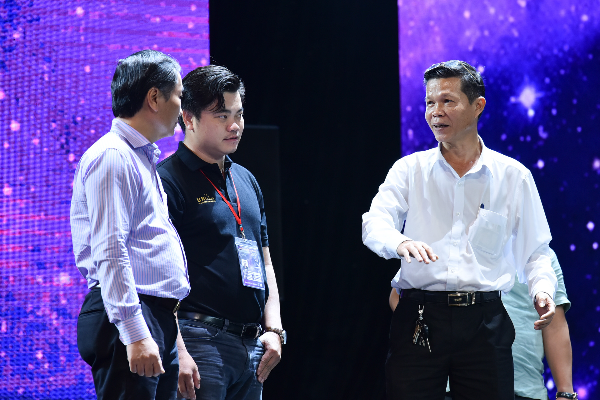 Bán kết Hoa hậu Hoàn vũ Việt Nam có thể bị hoãn vì bão số 12