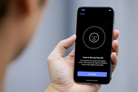 Face ID hay Touch ID mở khóa màn hình nhanh hơn?