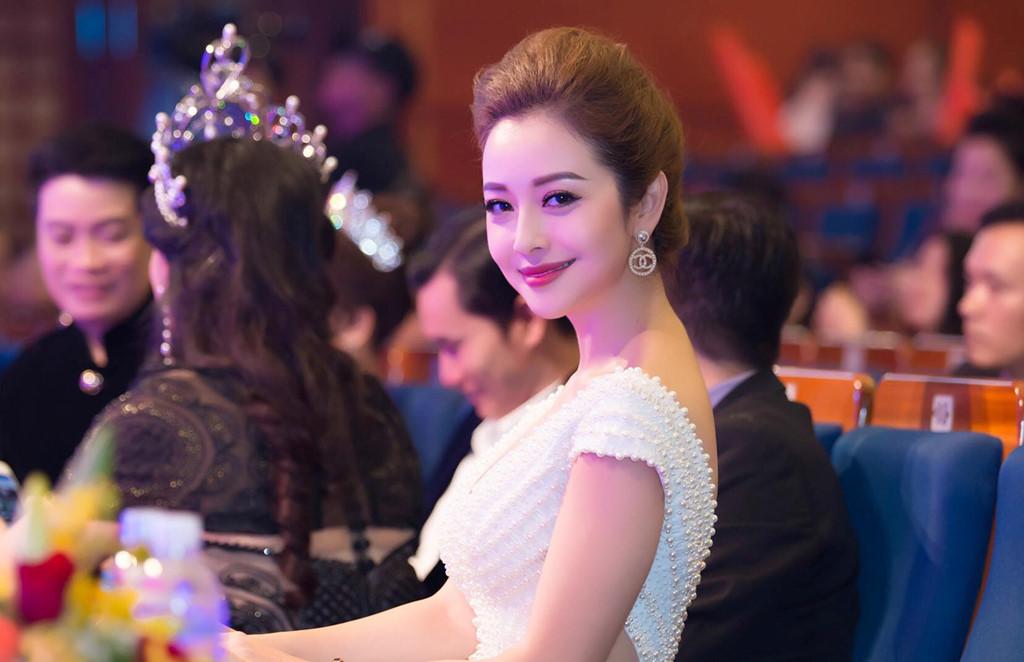 Loạt người đẹp Việt từng quảng cáo cho doanh nghiệp đang bị điều tra