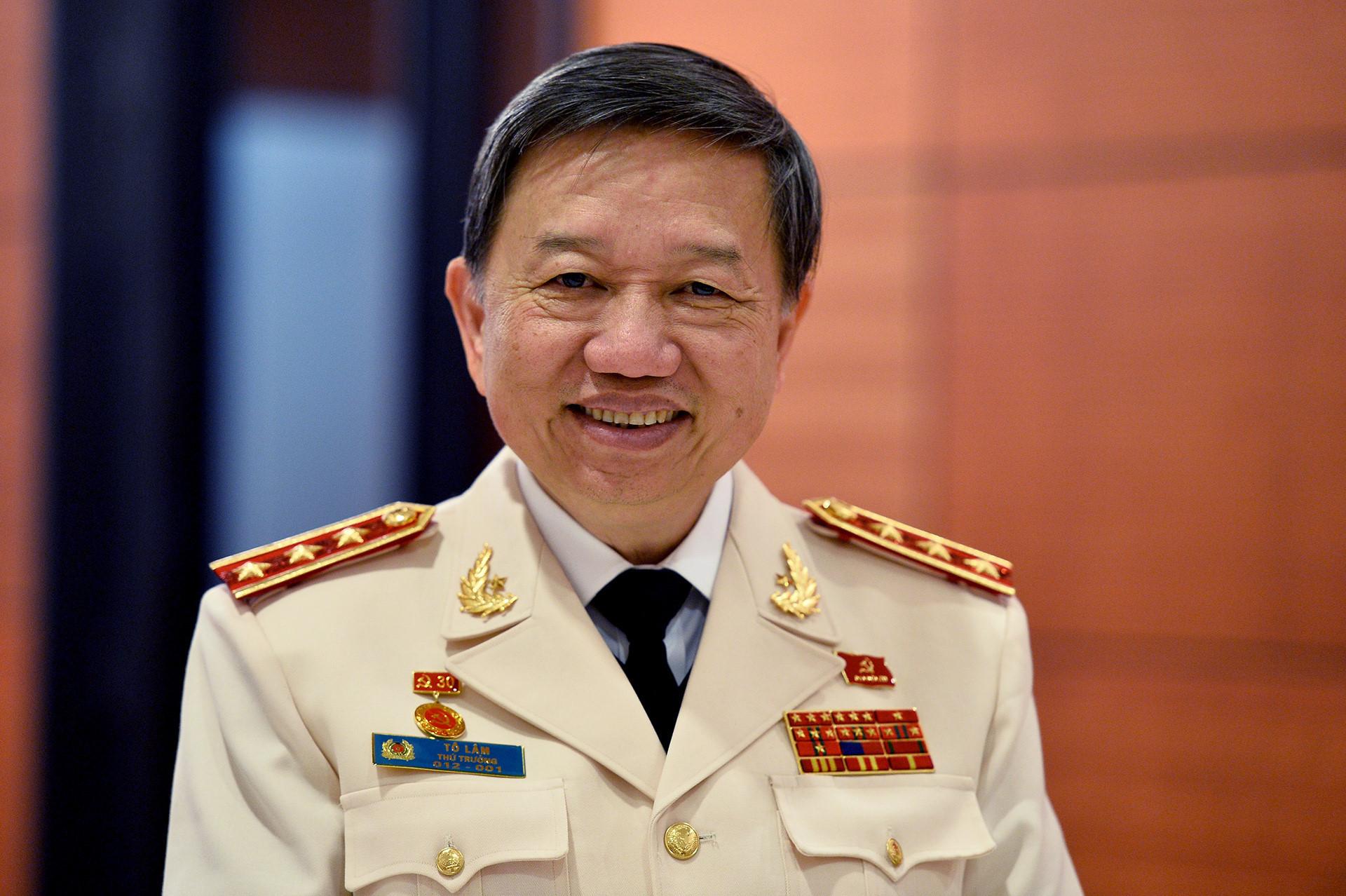 Bộ trưởng Tô Lâm: Bỏ hộ khẩu là đơn giản hóa thủ tục, không bỏ quản lý