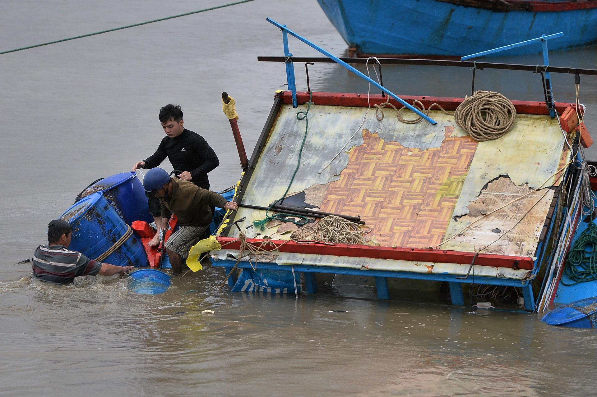 89 người chết, 18 người mất tích do mưa bão