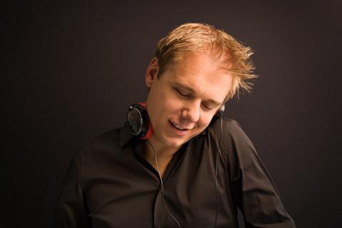 Armin van Buuren xác nhận buổi diễn tại Việt Nam vào tháng 12