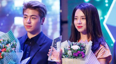 Song Ji Hyo và iKon xuất hiện rạng rỡ tại Việt Nam