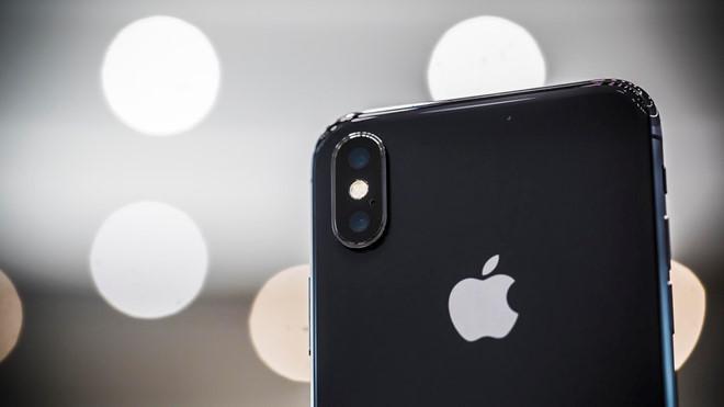 Apple bị kiện vì sử dụng camera kép trên iPhone