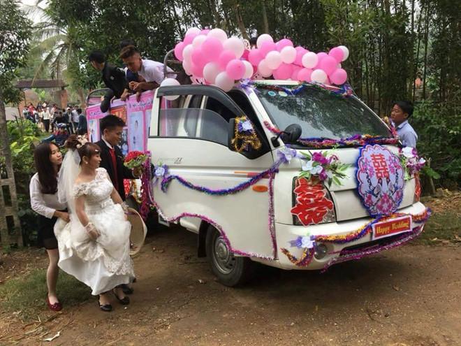 Chú rể Nghệ An đón dâu bằng xe tải