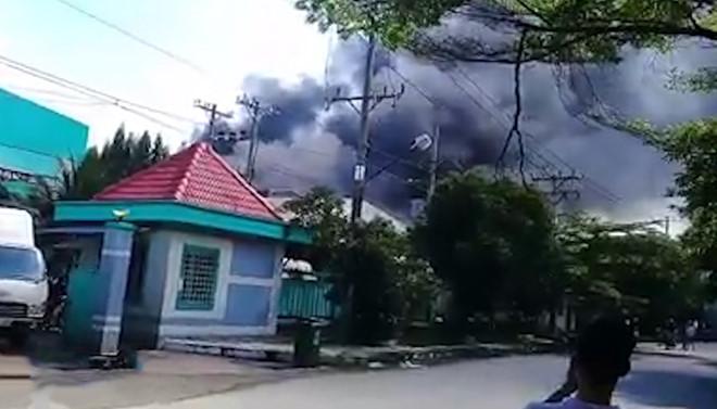 200 m2 nhà xưởng bị thiêu rụi sau vụ hỏa hoạn ở Sài Gòn