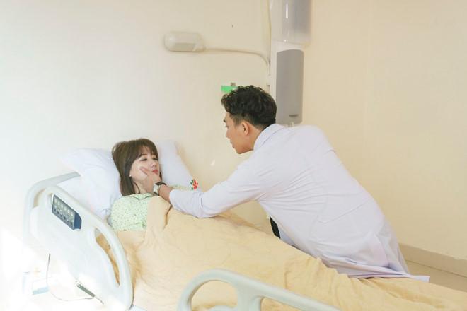 Trấn Thành làm bác sĩ trong phim do Hari Won sản xuất