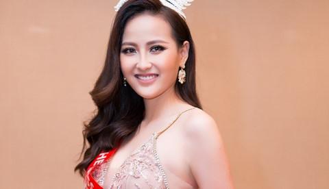 Khánh Ngân lên tiếng về tin mua giải Hoa hậu Hoàn cầu 2017
