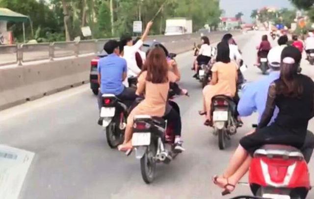 Đoàn rước dâu gây bức xúc khi đi dàn hàng không cho xe khác vượt lên