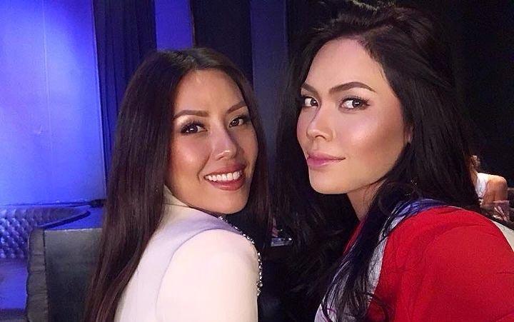 Nguyễn Thị Loan và thí sinh Hoa hậu Hoàn vũ rạng rỡ ở Mỹ
