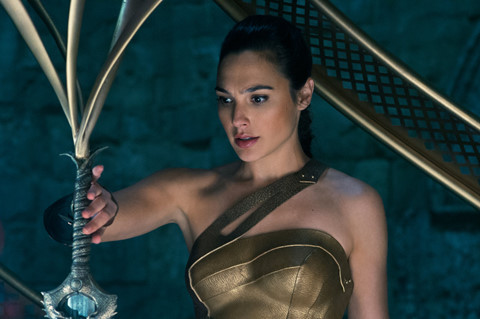 """""""Wonder Woman 2"""" tránh mặt """"Chiến tranh giữa các vì sao IX"""""""
