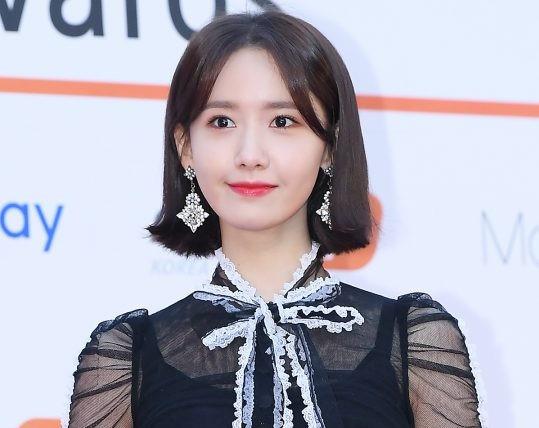 Các mỹ nhân Hàn Quốc khoe sắc tại thảm đỏ Asian Artist Awards 2017