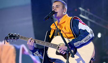 H&M bị kiện vì bộ sưu tập kết hợp cùng Justin Bieber