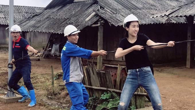 """Đỗ Mỹ Linh vào top 5 """"Người đẹp nhân ái"""" tại Hoa hậu Thế giới 2017"""