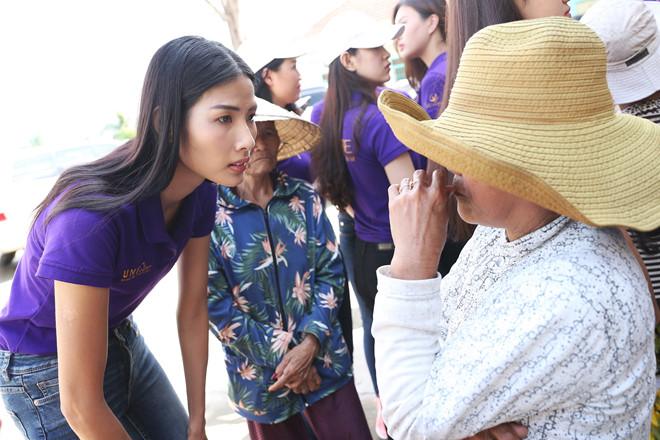 Hoa hậu Hoàn vũ Việt Nam góp 1 tỷ đồng và 1 kg vàng cho dân vùng bão