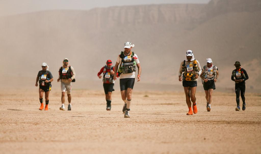 9 cuộc đua thử thách sức chịu đựng khó tin của con người