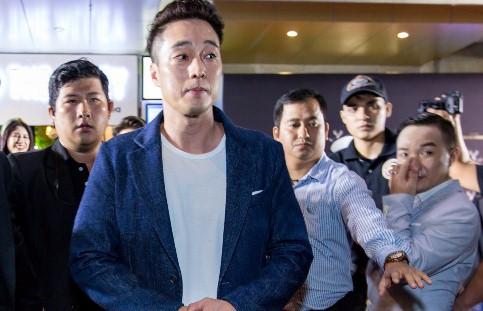 Thực hư chuyện sao Việt lộn xộn, So Ji Sub bỏ về sớm tại sự kiện