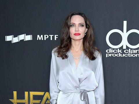Angelina Jolie, Beyonce chuộng váy cuốn trên thảm đỏ