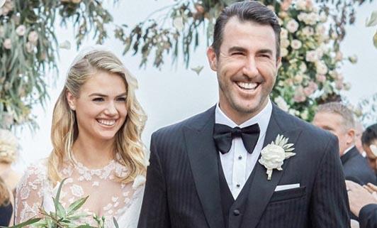 Chân dài bốc lửa Kate Upton thay 3 bộ váy trong ngày cưới