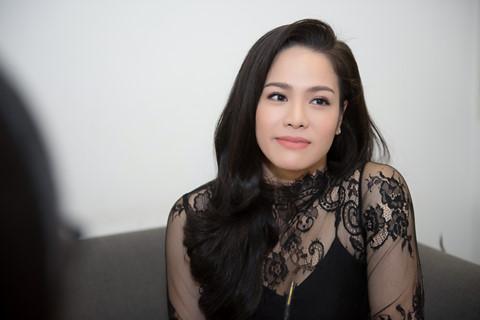 """Nhật Kim Anh: """"Sau khi kết hôn, vợ chồng tôi gây lộn liên tục"""""""