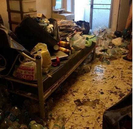 Cô gái thuê căn nhà suốt 7 năm chưa từng một lần quét dọn