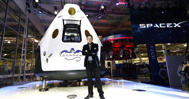 """""""Lẽ ra chúng ta đã xây dựng được căn cứ mặt trăng"""""""