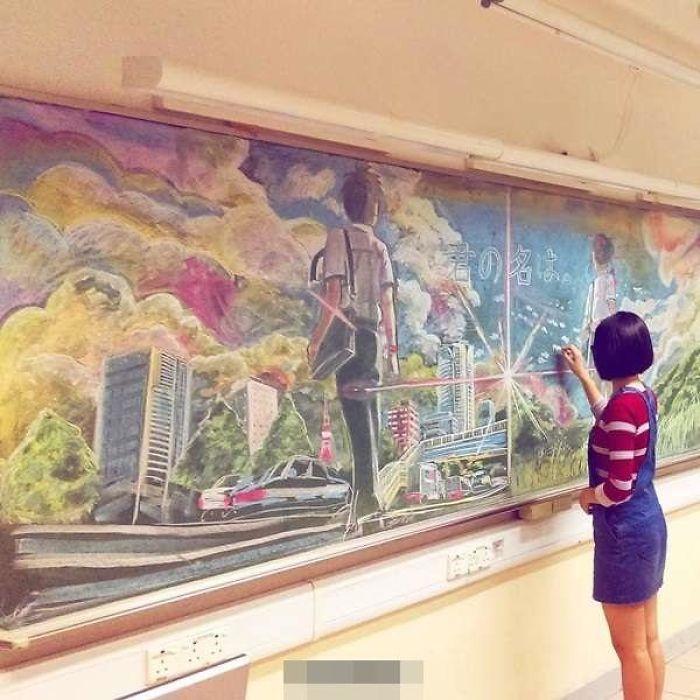 Nhóm học sinh Hong Kong vẽ tranh trên bảng đẹp đến từng chi tiết