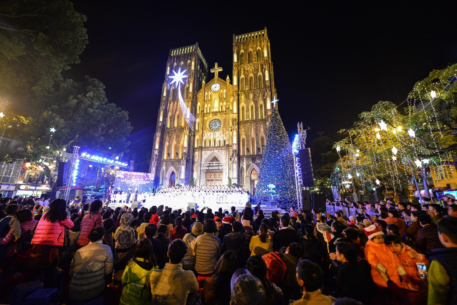 Các nhà thờ ở Hà Nội sẵn sàng đón Noel