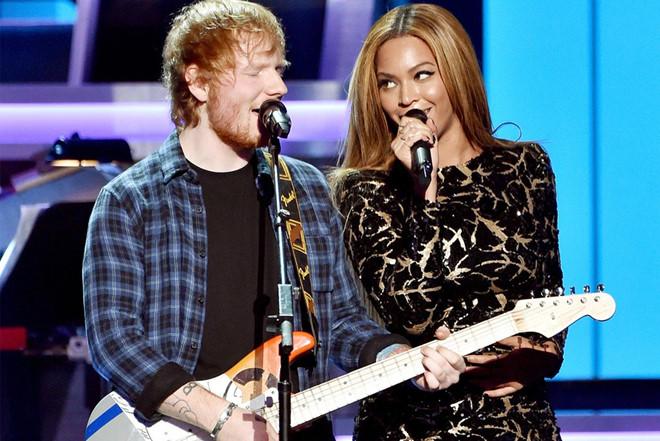 Ed Sheeran thống trị các bảng xếp hạng năm 2017