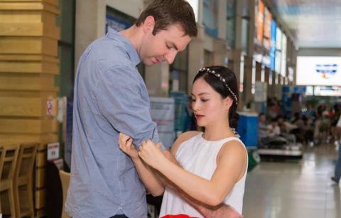 Lan Phương đính hôn với bạn trai Tây cao hơn 2 m sau 4 tháng quen nhau