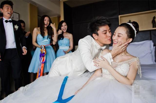 Giả Nãi Lượng bỏ nhẫn cưới sau vụ Lý Tiểu Lộ ngoại tình với em nuôi