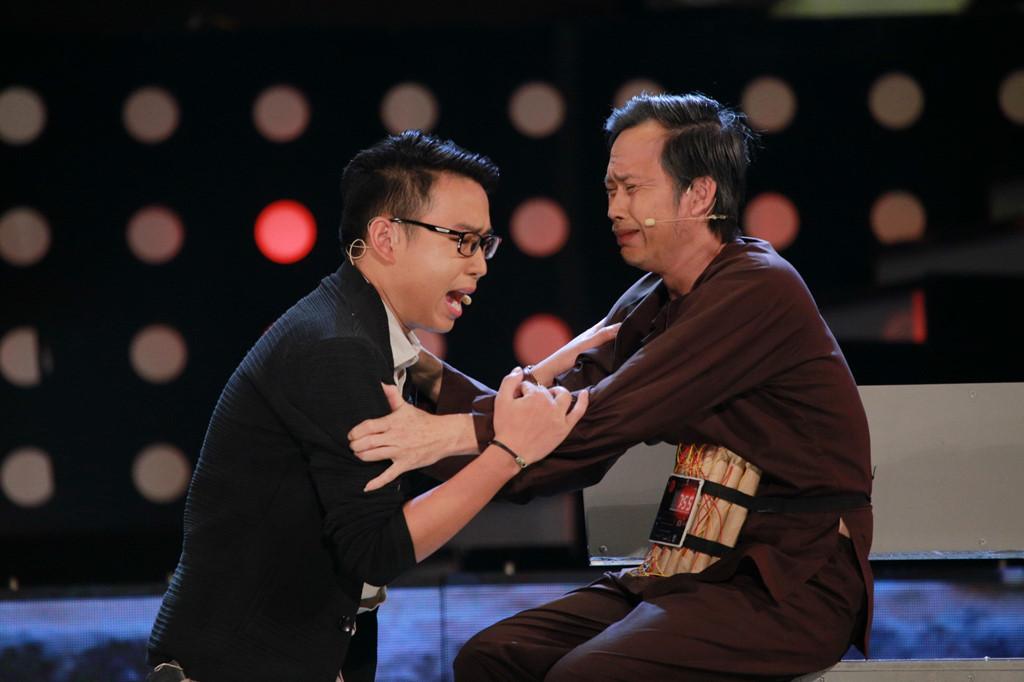 """Hoài Linh khiến khán giả Hà Nội cười """"chảy nước mắt"""""""