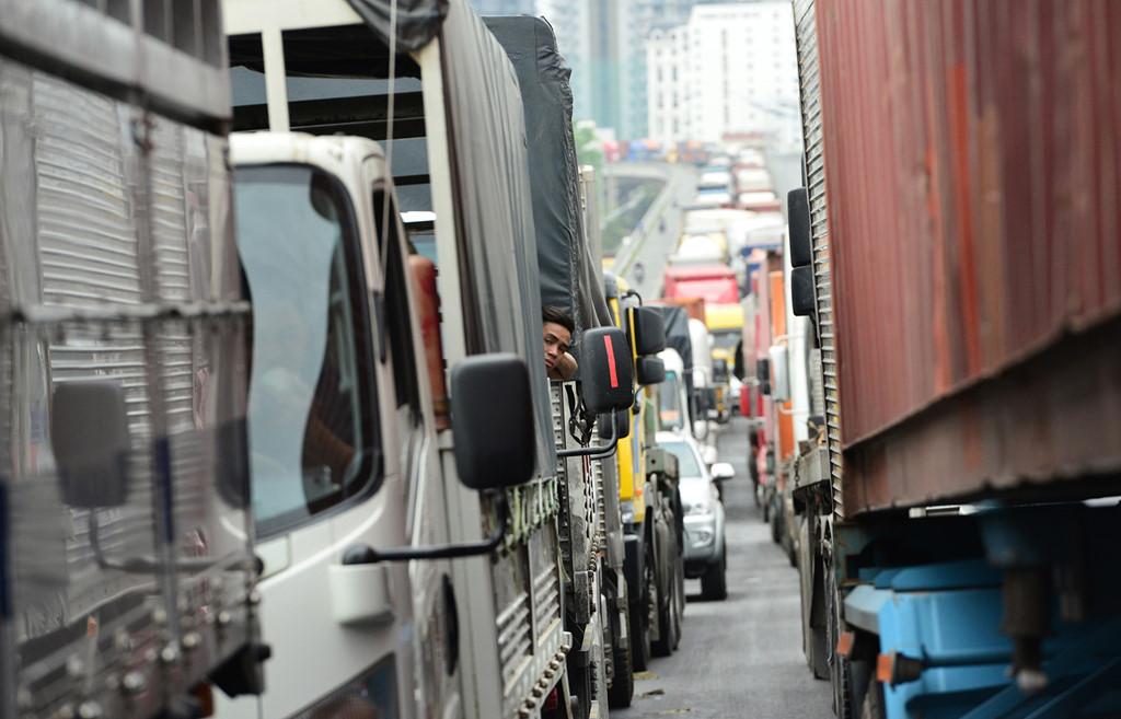 """Đoạn đường 8 km đi mất 6 tiếng ở Sài Gòn: Công ty vận tải """"khóc ròng"""""""