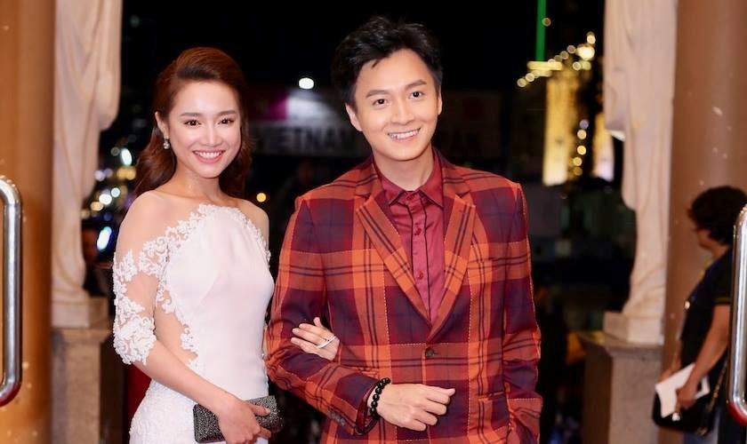 Trước màn cầu hôn, Nhã Phương và Trường Giang đi riêng đến sự kiện