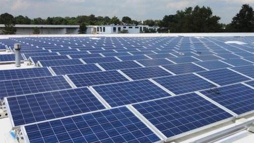 Lắp 90.000 tấm pin năng lượng mặt trời đầu tiên tại Ninh Thuận